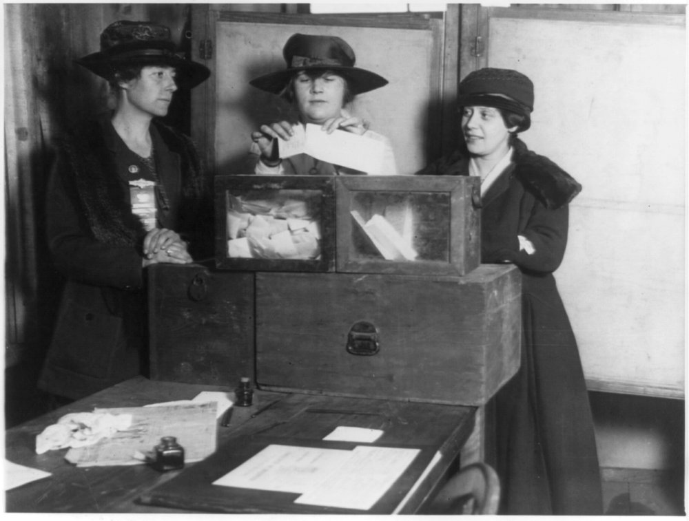 essays on womens right to vote The womens right movement 1920s history essay guaranteeing american women the right to vote if you are the original writer of this essay and no longer.